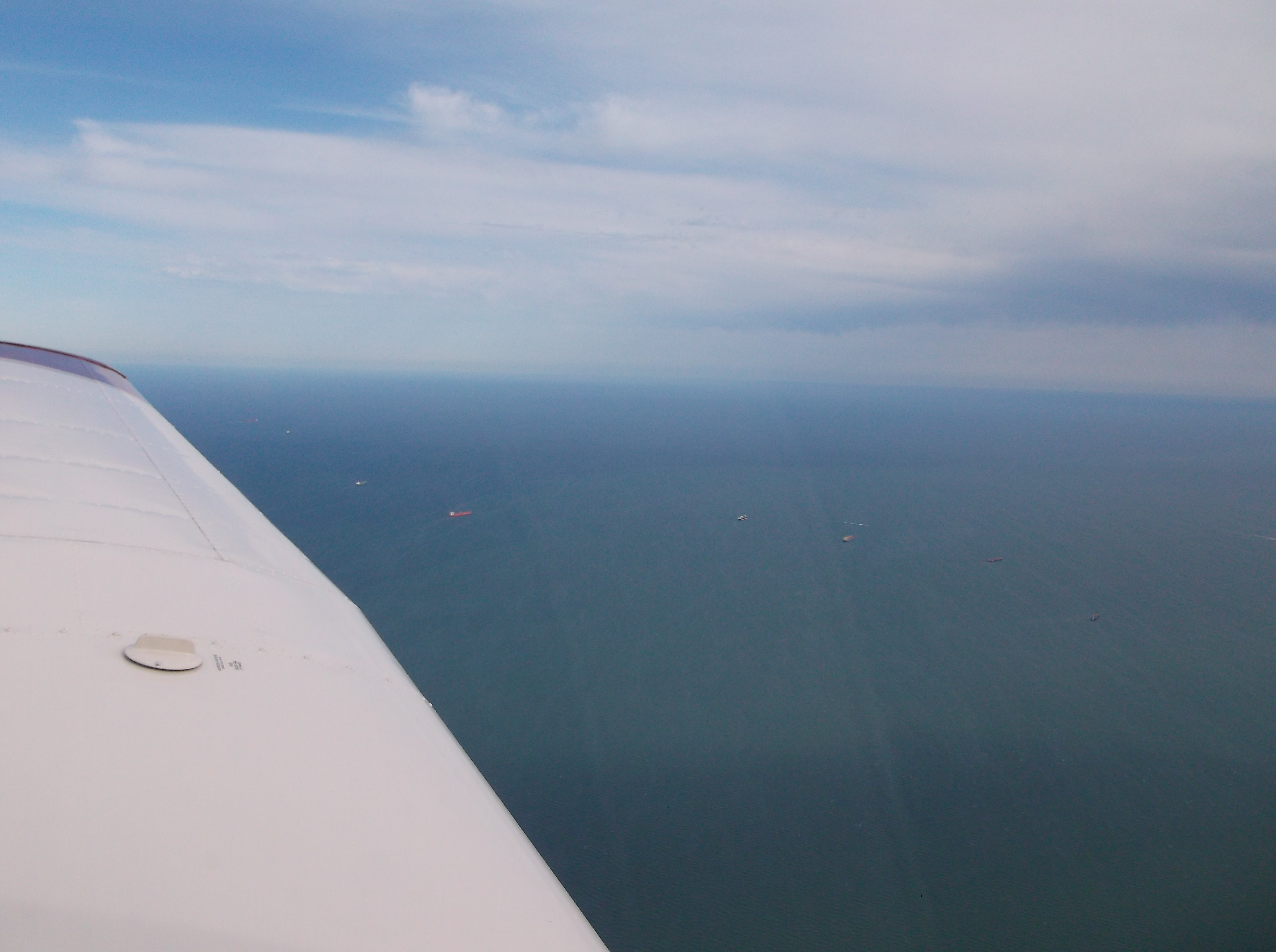 N807DA Coastal Flight